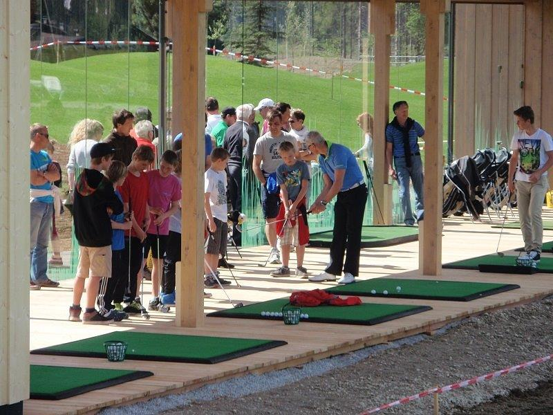 golf-westendorf-tirol-kitzbuehel-alps alps-play-golf-golf-course-green-austria-brixental