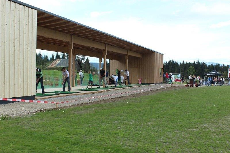 drivingranch-westendorf-kitzbuehl-alpen-golfen-wochenende-spielen-tirol-abschlagen-putten-hole-in-one-eagle