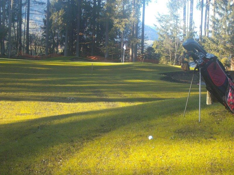 golfball-golfwiese-gruen-ranch-drivingranch-westendorf-aunerwald-hohe-salve-golfen-golven-catti-putten