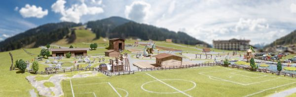 freizeitpark-Tyrol-alpenland-ferienpark game park-child-park-flying-fox-child-playing-apartment