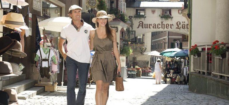 Auracher-Loechl-Batzenhaeusl-mândru-ati ascunselea-vechi oraș-Kufstein-medieval-haeuser